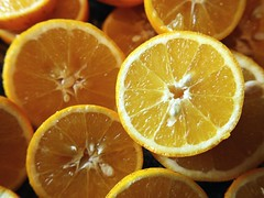 Winter 51/52  (Amalid) Tags: winter orange closeup fruit canon project eos selftaught tripoli photooftheweek 52weeks eos450d weeklyphoto selftaughtphotographer project52 canoneos450d canoneosdigitalrebelxsi efs1855mmisf3556 giveusyourbestshot 52projet 522014 52