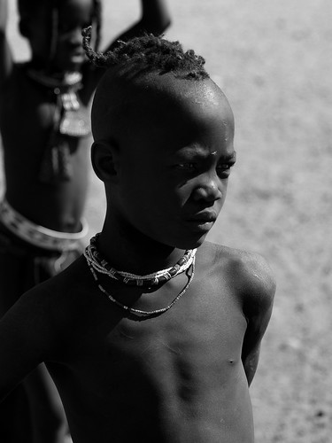 Namibie - Jeune garçon himba