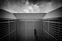 paris la defense (Chat-Maigre) Tags: paris architecture noir et blanc défense arche parise