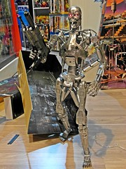 NECA  Terminator 2  1/4 Endoskeleton  Battle Damage Version  Ready to Attack! (My Toy Museum) Tags: big terminator t2 neca endoskeleton