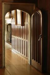 img_2686e-rgb-600 (sjsphotos) Tags: door colour palace tudor archway panelling hamptoncourtpalace linenfold historicroyalpalaces