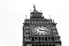 Big black and white Ben (Geraint Rowland Photography) Tags: london clock architecture big time ben britain great 85mm bigben clocktower negativespace 5d majestic cityoflondon whiteandblack tellingtime europeancities canon18 whatisthetime bigbenclocklondon greatbritainarchitecture bigandben geraintrowlandlondonphotography
