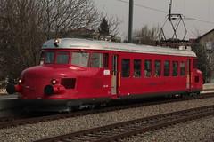 SBB Historic Roter Pfeil RAe 2/4 1001 ( Hersteller SLM Nr. 3581 - Ausgeliefert als CLe 2/4 201 - Baujahr 1935 - Triebwagen ) am Bahnhof Kerzers im Kanton Freiburg der Schweiz (chrchr_75) Tags: chriguhurnibluemailch christoph hurni schweiz suisse switzerland svizzera suissa swiss chrchr chrchr75 chrigu chriguhurni 1503 mrz 2015 eisenbahn schweizer bahnen bahn train treno zug albumbahnenderschweiz albumbahnenderschweiz201516 albumzzz201503mrz juna zoug trainen tog tren  lokomotive  locomotora lok lokomotiv locomotief locomotiva locomotive railway rautatie chemin de fer ferrovia  spoorweg  centralstation ferroviaria