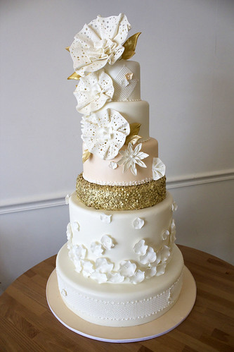 The Fascinator Wedding Cake