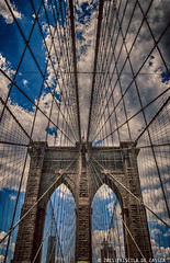 Brooklyn Bridge (Priscila de Cssia) Tags: city nyc travel bridge sky usa cloud newyork architecture brooklyn america nikon cityscape perspective architectural eua brooklynbridge hdr nikond90