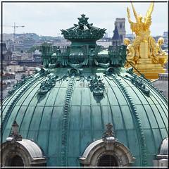 2016.06.25.10 PARIS -  Vue depuis la terrasse des Galeries Lafayette (alainmichot93 (Bonjour  tous)) Tags: 2016 france ledefrance seine paris architecture dme statue opra opragarnier toit
