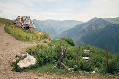 Lukomir (Nuuttipukki) Tags: lukomir hiking bosnia mountains village traditional bosnien wandern calmness europe