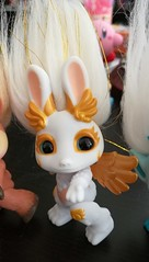 angel hop close (meimi132) Tags: angelhop angel bunbun rabbit zelf zelfs series6 golden gold wings