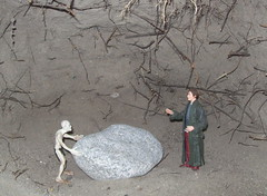 Baggins?  Me?  No! (John Chanaud) Tags: thelordoftherings thehitchhikersguidetothegalaxy arthurdent gollum