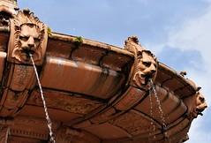 Terracotta fountain (OutOutxx) Tags: glasgow glasgowgreen terracotta scotland fountain water summer outdoors nikond3300