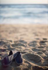 Heaven. (Pupu :)) Tags: plage beach hotel palm espadrille chaussure sable srilanka soleil horizon canon analogue analog argentique analoguesunrise apu analogic analogique fd fuji film fujifilm f1old fujicolor plustek ceylan holidays