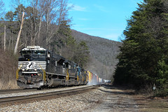 Eastern Competitors (weshendrix) Tags: csx chattanooga subdivision nashville division wildwood georgia ga train railfan railroad freight manifest rr emd sd70m2 norfolk southern ns locomotive diesel engine vehicle outdoor mountain