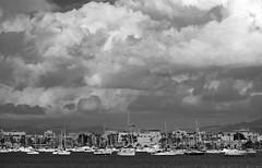 Varados al invierno (Fotgrafo-robby25) Tags: byn fujifilmxt1 marmenor nubes puertodeportivo sanjaviermurcia