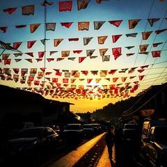 En el día de San Lucas y de los atoles    #zacan #michoacan #visitmichoacan #papelpicado #sunset #atardecer #mexico #sanlucas