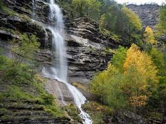 Cascada de Sorrosal 2 (Asun Idoate) Tags: broto aragon otoo