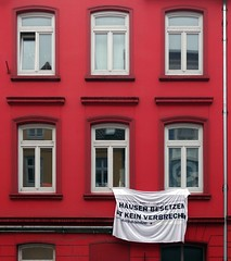 - (txmx 2) Tags: hamburg protest altona ottensen hausbesetzung ignorethetagsonwhitetheyarefromastupidflickrrobot