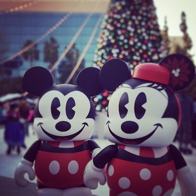 Keep up Mickey! #VinylmationAdventures #Disneyside #vinylmation  #believeindisneyyy #instadisney #disneygram #toyland #toyphotography  #Disney #toystagram #waltagram #vinyl #LiveOutsideTheBox #dla