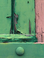 Grn neben rosa (MKP-0508) Tags: green rose decay urbandecay rosa vert weathered grn apeelingpaint verfall verwittert