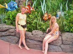 Florida! (Elysia in Wonderland) Tags: world vacation usa holiday statue america lucy orlando epcot finding nemo florida disney september dory marlin elysia 2014