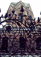 Chapel & railing (alice_pav) Tags: saint architecture geotagged russia samsung petersburg chapel railing orthodox