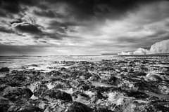 Birling Gap (Julian@Hove) Tags: blackandwhite seascape sussex eastsussex birlinggap leefilters britishseascapes