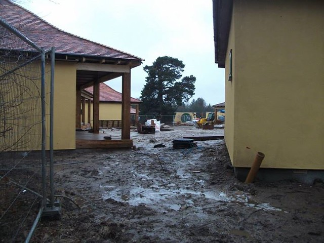 22/02/15 - The other end of the lodge development.