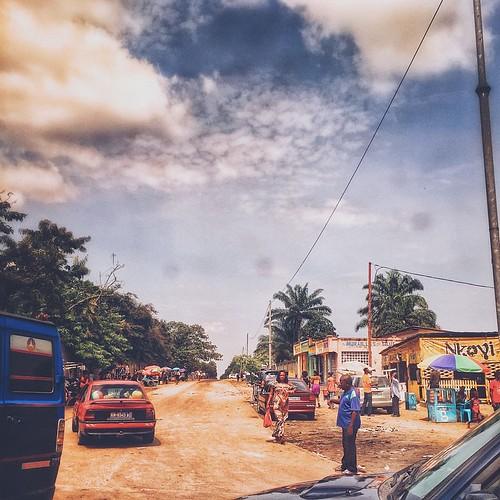 K I N S H A S A #kinshasa #drc #delvaux #ngaliema #binza #vscocam #streetphotography
