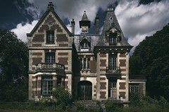 Tilted (Kriegaffe 9) Tags: house home gothic explore chateau