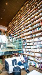 2016 JAPAN 0627(EOSM3)-38 (sun_line) Tags: 日本 關西 japan 枚方市 蔦屋書店 bookstore books