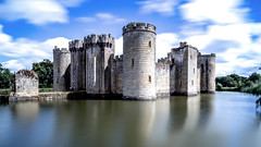 Bodium Castle (www.premiumpics.co.uk) Tags: bodium castle sussex moat monochrome longexposure blackandwhitelongexposure bigstopper leefilters ruin medieval