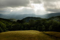 Paisaje. (franysuviola) Tags: navarra espaa spain baztan pirineo montaa paisaje cielo nube landscape color fujifilm fuji x100t naturaleza specland