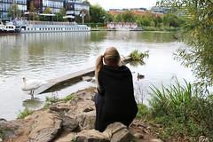 IMG_7850_Fotor02 (Ela's Zeichnungen und Fotografie) Tags: hannover mittellandkanal kanal landschaft natur wasser person himmel baum haus tier vogel schwan ente boot stein