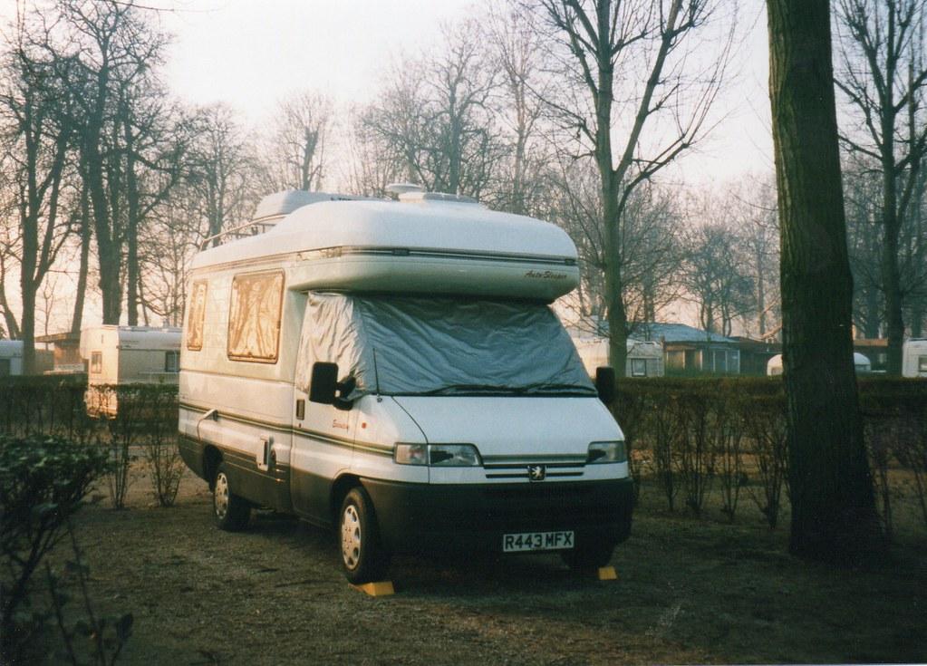 the world 39 s newest photos of camper and peugeot flickr hive mind. Black Bedroom Furniture Sets. Home Design Ideas