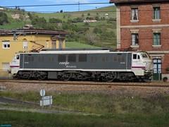 251 (firedmanager) Tags: train tren asturias locomotive mitsubishi locomotora renfe trena 251 adif railtransport renfeoperadora renfemercancías japonesaymedia villabonadeasturias