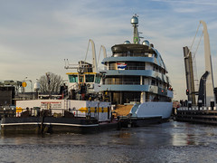 "Luxury Yacht / Luxe jacht ""Savannah"" (F. Berkelaar) Tags: ships transport nederland savannah nl schiffe vessels zuidholland schip schepen superyachts vaartuig superyacht navires luxuryyacht superjacht luxejacht"