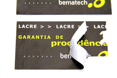 "Lacre de Segurança Bematech • <a style=""font-size:0.8em;"" href=""http://www.flickr.com/photos/129266357@N08/16110484624/"" target=""_blank"">View on Flickr</a>"