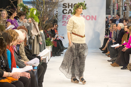SONIA REYNOLDS PRESENTS HER SELECTION OF THE BEST OF IRISH FASHION- REF-101391