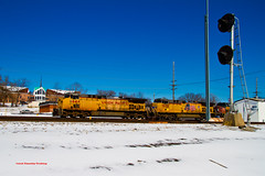 UP #6644 West @Eureka, MO (tim_1522) Tags: santa railroad winter electric burlington general flag sub cuba rail trains bn mo southern signals sp missouri fallen rails searchlight fe northern bnsf eureka frisco mopac railroads subdivision railfanning railfans burligrton searchligh