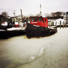 #tugboat #capecod  #winter (Lisa Cohen Photography) Tags: winter capecod tugboat