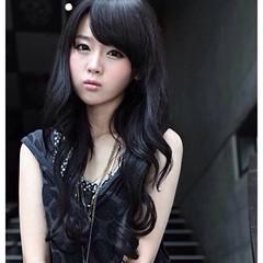 ว้าว!วิกผมยาว แบบสาวเกาหลีหน้าม้าปัดปลายดัดลอนสวยเซ็กซี่ นำเข้า สีดำ - พร้อมส่งW132 ราคา670บาท ทรงผมยาวดัดลอนหน้าม้าปัดสีดำเก๋แบบผมไล่ระดับสวยเซ็กซี่ทุกงานมั่นใจอย่างดารารุ่นนี้ทรงใหม่น่ารักมากๆฮิตสุดๆ ดัดลอนใหญ่แบบลอนคลื่นให้คุณมีลุคทั้งหวานและเซ็กซี่ เล