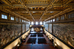 Pump up the Volume (ole) Tags: italy florence italia wideangle palazzo vecchio fireze