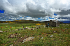 Olladas q matan (Miguel.G.Torres) Tags: sky clouds landscape green greengrass nature