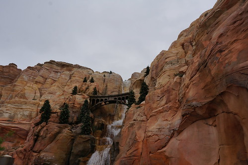 """Waterfall outside of Radiator Springs • <a style=""""font-size:0.8em;"""" href=""""http://www.flickr.com/photos/28558260@N04/28327609013/"""" target=""""_blank"""">View on Flickr</a>"""