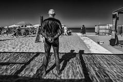 Tirrenia (Aldo Cicirello) Tags: persone toscana spiaggia tirrenia arenilevf