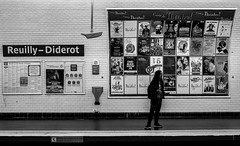 Reuilly - Diderot (Lens a Lot) Tags: paris | 2016 carl zeiss distagon 35mm f28 1991 6 blades iris cy mount f8 black white street photography depth field metro gate station subway people city life sky vintage manual west germany made japan prime lens noir et blanc monochrome vhicule train
