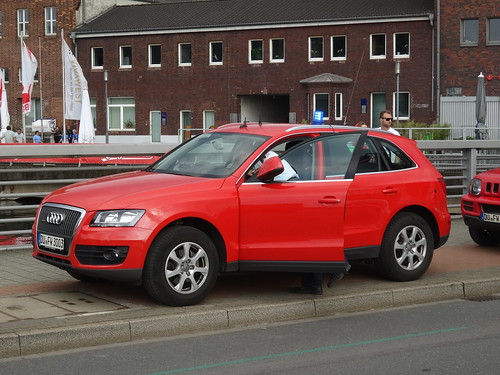 "Duisburg: Audi Q5 ""Feuerwehr"""