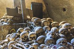 Napoli - Cimitero delle Fontanelle (The Fontanelle cemetery in Naples) (Franco Santangelo (thx for 800.000+ views)) Tags: religion bones skull museum naples campania canon sigma eos600d history