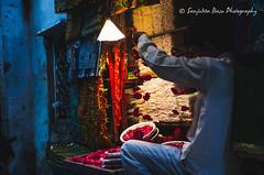 Nizamuddin dargah basti-13 (Sanjukta Basu) Tags: monuments delhi heritage restorationproject nizamuddin urbanpoor poverty slum basti india outdoor people streetphotography
