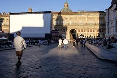 Bologna - Piazza Maggiore (Massimo Battesini) Tags: nationalgeographic worldtrekker worldcitycenters fujifilmxt1 fuji xt1 fujixt1 fujifilm finepix fujinon fujinonxf18135 fuji18135 fujifilmfujinonxf18135mmf3556rlmoiswr piazza place square plaza bologna emiliaromagna italia it centrostorico zentrum centreville centromedievale centremdival medievalcenter centromedieval citt ville city stadt town ciudad photographiederue streetphotography fotografiaderua photosdelavie escenacallejera piazzamaggiore italy italien italie europe europa