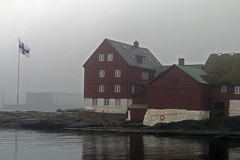 Þórshöfn (Gaflarinn) Tags: 2015 færeyjar föreyjar føreyjar þórshöfn thorshavn evrópa2015 fog þoka rautt hús sea sjór